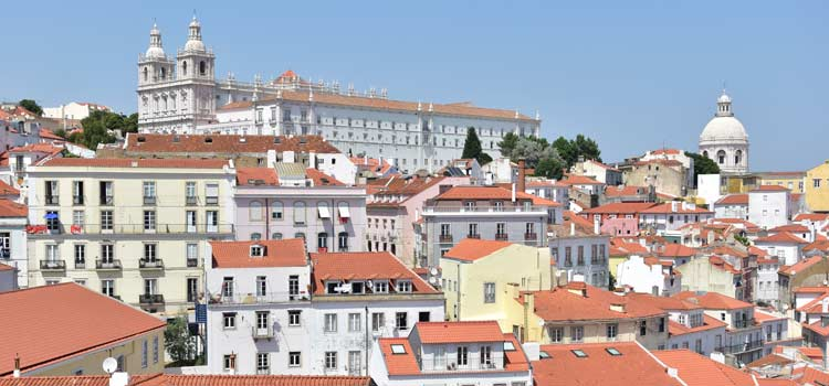 alfama district lisbon 1